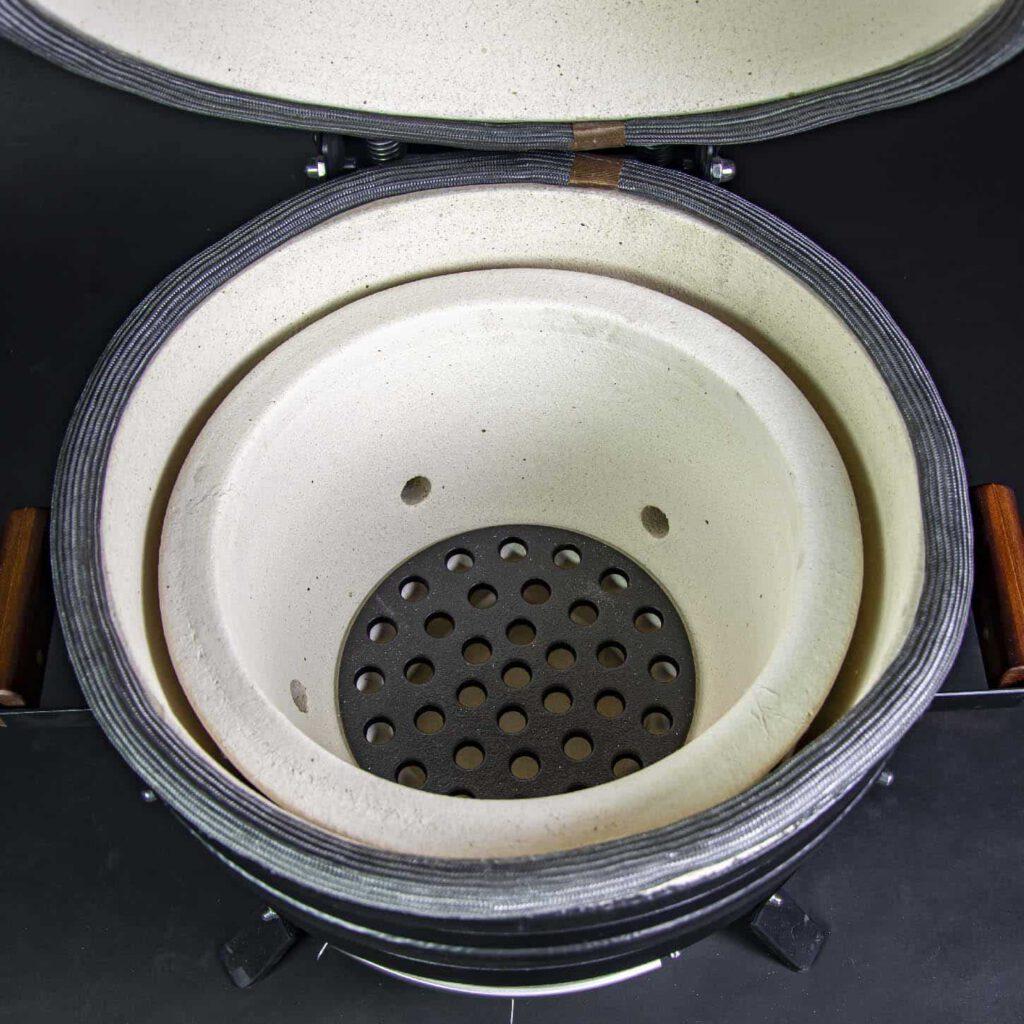 kamado bbq M grill bill pro 16 inside