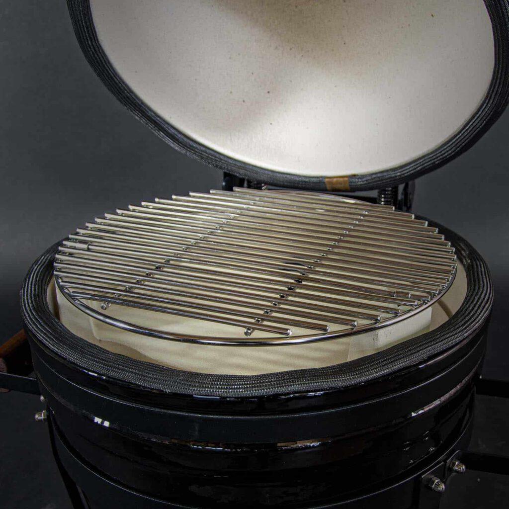 kamado bbq m grill bill classic 16 inch open closeup