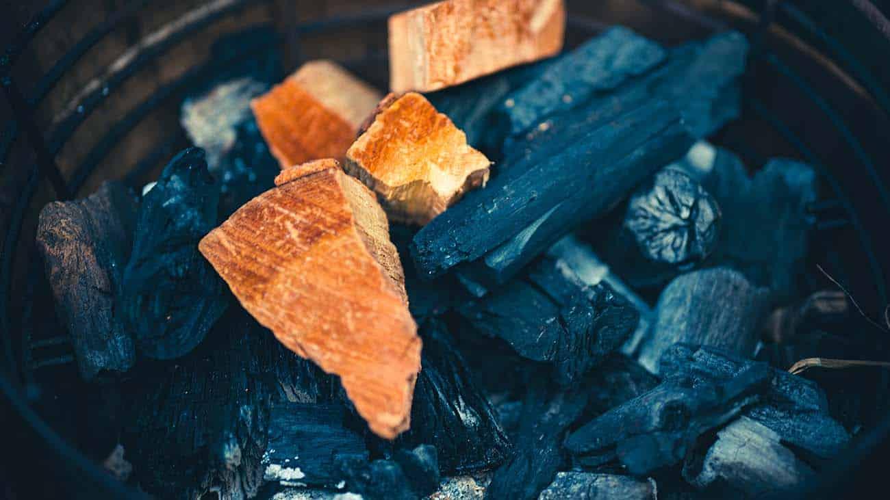 b&b houtskool en rookhout